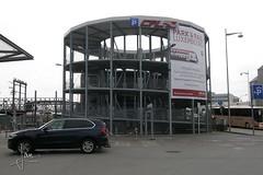 Luxemburg (2016) - parkeergarage Luxembourg Station / Gare de Luxembourg (glanerbrug.info) Tags: 2016 luxembourg luxemburgstadt luxembourgcity ltzebuerg ltzebuergstad luxemburgkantonluxemburg