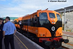 071 at Ennis, 22/10/16 (hurricanemk1c) Tags: rpsi westernexplorer 0955connollylimerick railways railway train trains irish rail irishrail iarnrd ireann iarnrdireann 2016 generalmotors gm emd 071 retrotrain railwaypreservationsocietyofireland ennis