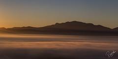 Contrallums del Montseny (Ricard Snchez Gadea) Tags: planadevic cat osona canon catalunya canonistas catalua catalonia 6d manecer sortidadesol sunrise boira boirabaixa boirina niebla fog textura nube airelibre montseny canon24105