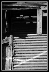 Ferm dfinitivement (DavidB1977) Tags: france iledefrance valdoise goussainville nikon d610 nikkor nb bw volet 2885mm