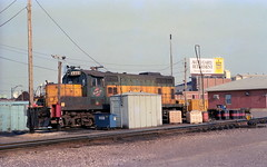 CNW North Ave 4-27-89 1 (jsmatlak) Tags: chicago railroad freight engine switcher train north side cnw northwestern geep