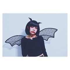 Spoopy (Jeslyne Vivar) Tags: vsco selfportrait portrait wingclips batwings hairclips bat devil cosplay asian eyes eyelashes fashion blackhair black wig hair makeup notvampire wings vampire blood coloredcontacts circlelenses red spoopy spooky halloween