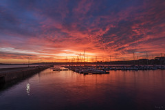 Inflamed Sky (Tony N.) Tags: france bretagne britanny finistre crozon camaretsurmer port sunrise levant sky ciel rouge bateaux boats reflets reflections morning matin d810 nikkor1635f4 vanguard tonyn tonynunkovics