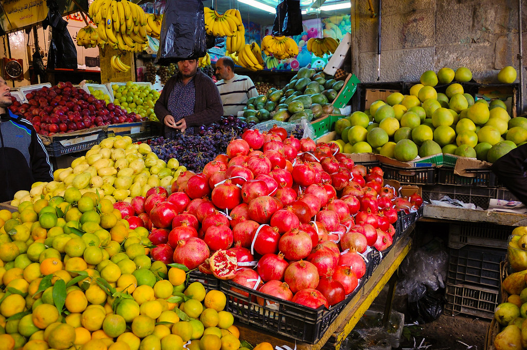 d5326b0c869c29 HBernitt 2014-11-02 0656 (han-ber) Tags  amman pomegranate jordan  marketplace