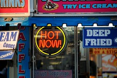 Hot right Now (Cragin Spring) Tags: food hot wisconsin circle midwest neon fair icecream neonsign oreo countyfair wi elkhorn concession deepfried 2015 hotnow walworthcountyfair elkhornwi walworthcounty elkhornwisconsin
