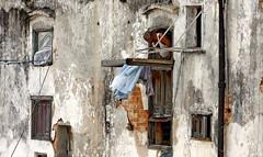 homely old Havanna (visionhunter) Tags: people house cuba vieja haus wohnung havanna basic kuba mensch 40d visionhunter