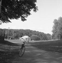 Slottskogsvallen (rotabaga) Tags: 120 6x6 mediumformat göteborg diy lomo lomography sweden gothenburg sverige tmax400 lubitel166 svartvitt mellanformat