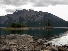 Lake-Minnewanka-in-Banff-National-Park-(59) (F. Ovies) Tags: canada montaas rocosas