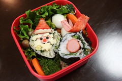 Christmas themed character bento  (DigiPub) Tags: party event santaclaus  bento       offlinemeetup