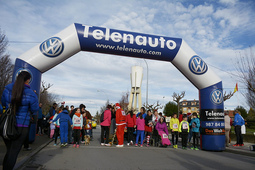 "Carrera popular y premios San Silvestre 2015 La Virgen del Camino • <a style=""font-size:0.8em;"" href=""http://www.flickr.com/photos/66442093@N08/23915946302/"" target=""_blank"">View on Flickr</a>"