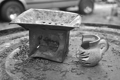 Al horno... (spawn5555) Tags: casa home cotidiano nikon macro d3000 blanco negro objeto taza barro arte