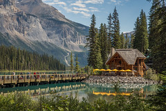Emerald Lake 2 (Mala Gosia) Tags: kajtek malagosia oct17 2016 emeraldlake yohonationalpark bc outdoor canoneos6d landscape canada water lake trees stones rocks rockies alberta sun house cilantrorestaurant bridge
