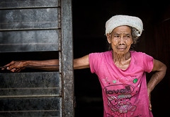 Indonesia (mokyphotography) Tags: indonesia bali risaie villaggio village people persone ritratto portrait viso face woman donna