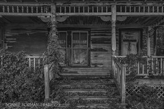 20161007-BFF_9793_HDR_1 (Bonnie Forman-Franco) Tags: abandoned abandonedhouse hdr berkshires bw fall porch