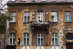 IMG_2414 (azaksek) Tags: autumn city old vintage building apartment balcony window house architecture canon street