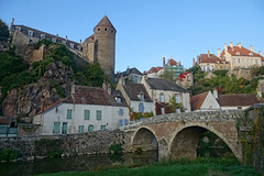 2016-10-24 10-30 Burgund 563 Semur-en-Auxois (Allie_Caulfield) Tags: foto photo image picture bild flickr high resolution hires jpg jpeg geotagged geo stockphoto cc sony alpha 77 france frankreich burgund bourgogne ctedor historic city altstadt semur en auxois semour stiftskirche notredame