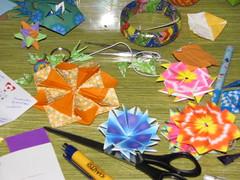 material de trabalho (Atelier ArthSarah!) Tags: paper origami modular japo papel bola dezembro tesoura sorte mbile tsuru dobradura longevidade dobras pendurar kudusama