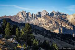 Le Odle - Dolomiti (beppeverge) Tags: autumn mountain alps fall foliage autunno alpi montagna unescoworldheritage dolomites dolomiti altoadige dolomiten italianlandscape sudtirol ladino larici beppeverge