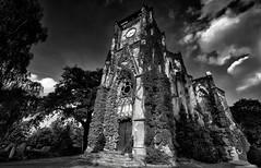 Ruin Church Wachau (Andr Schnherr) Tags: 40d visionhunter church ruinen ruine kirche monochrome bw wachau