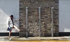 """""""British Dance Theater"""" (L I C H T B I L D E R) Tags: water wasser england swanage cleaning reinigen tanz dance shower dusche strand beach man mann sommer summer britishdancetheater"""