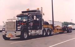 SUPER Mack Superliner Magnum (PAcarhauler) Tags: mack truck semi tractor trailer coe