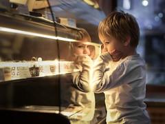sweet sugar love (choices) (iwona_podlasinska) Tags: bakery child sweet sugar light reflection cake childhood iwona podlasiska poland