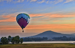 Canberra, Australia. (qatarairways) Tags: vibrantcolor travel peopletraveling tourism morning flying fun action freedom adventure multicolored transportation canberra australia sky basket hotairballoon modeoftransport air act