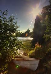 IMG_8007 tonemapped-1 (Andre56154) Tags: schweden sweden sverige ufer boot boat sonne sun see lake