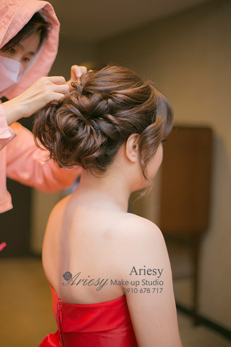 Ariesy,愛瑞思,愛瑞思造型團隊,台北推薦新秘,新娘秘書,亞都麗緻,新娘造型,新娘髮型,蓬鬆編髮,清透妝感