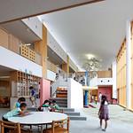 本格的小中一貫校の校舎の写真