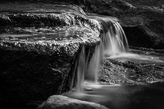 Wasserfall (Auto-Fokus Fotografie) Tags: stone canon waterfall wasser wasserfall stones hamburg steine tamron schinkel 70300 plantenunbloomen nd1000