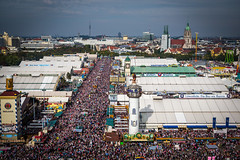 Wiesn 2015 (Niklas Neubauer) Tags: people beer munich münchen fun bavaria 50mm mas cityscape oktoberfest gaudi fernsehturm bier wiesn paulaner paulskirche augustiner dirndl lederhose spas bierzelt 2015 tracht bierkrug menschenmassen schottenhammel löwenbraü