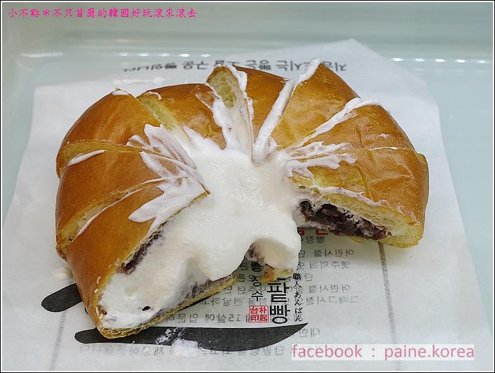 釜山爆漿鮮奶油紅豆麵包 (6).JPG