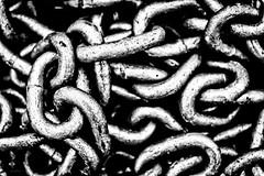 Parti_disordinate_di_un_tutto (Danilo Mazzanti) Tags: blackandwhite biancoenero forme danilo forma catena catene hicontrast mazzanti altocontrasto legàmi formalismo danilomazzanti wwwdanilomazzantiit