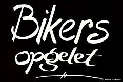 2015-10 Bord met een heel andere betekenis in het Geulse dal (Mechelen) (About Pixels) Tags: 1024 2015 algemeen collecties herfstseizoen limburg mechelen mnd10 nederland oktober sport signs bikers fietser