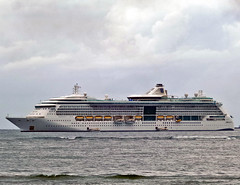 Radiance of the Sea (BxHxTxCx (using album)) Tags: kapal kapallaut ship radianceofthesea cruiseship kapalpesiar