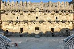 Aspendos_13 (Romeodesign) Tags: turkey trkei aspendos ruin theater antalya 550d mediterranean coast turkish riviera trkiye peninsula pamphylian ruins historic ancient roman amphitheatre theatre antique culture cultural monument romans architecture holiday urlaub
