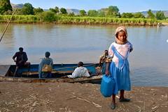 Ethiopia- Blue Nile (venturidonatella) Tags: etiopi ethiopia africa nilo nile bluenile niloblu fiume river colori colors nikon nikond200 d200 ritratti portraits gente persone people children bambini barca