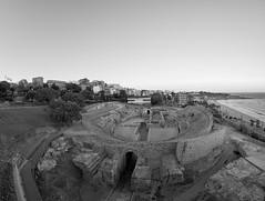Amfiteatre de Tarragona (Escipi) Tags: amphitheatre tarragona unescoworldheritage roman ruins arquitecture sea medeiterranean beach