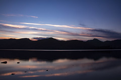 goodnight, goodnight (gavin.hoskins) Tags: derwentwater lakedistrict canoneos60d keswick cumbria catbells evening winter lake water sunset sky colours reflection silhouette landscape clouds shore outside outdoors longshutterspeed speed tripod slowshutterspeed