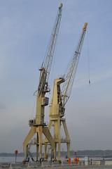 Havenkranen KA400 en KD410, Antwerpen (Erf-goed.be) Tags: havenkranen kranen ka400 kd410 rijnkaai antwerpen archeonet geotagged geo:lon=44017 geo:lat=512323