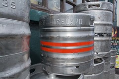 BARRILS DE CERVESA (Irlanda, agost de 2016) (perfectdayjosep) Tags: cahir cahirireland barrilsdecervesa beer cervesa birra cerveza ireland irlanda ire comptatdetipperary tipperary