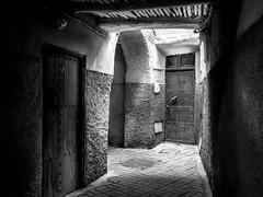 La grotte du sorcier (Tur3ine) Tags: noiretblanc nb blackandwhite bw fuji fujix20 fujifilm x20 morocco maroc marrakech