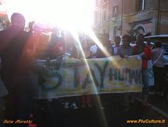 Roma #apiediscalzi per i rifugiati: il fotoracconto (PiuCulture - Migrazioni e Incontri a Roma) Tags: roma marcia baobab manifestazione tiburtina immigrazione immigrati solidarieta rifugiati richiedentiasilo refugeeswelcome marciadegliscalzi donneuominiscalzi