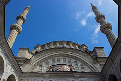 Nuruosmaniye Mosque (kaizerdar) Tags: above blue sky architecture rising islam religion istanbul mosque structure walls oriental baroque minarets islamic camii grandbazaar nuruosmaniye emberlita nuruosmaniyemosque nuruosmaniyecami singledome