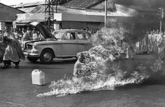 67 year old Thich Quang Duc immolates himself to highlight Buddhist demands for religious equality (Historystack) Tags: asia contemporary politics burning 1960s 20thcentury thichquangduc selfimmolation southvietnam june11 mahayana year1963 historyofvietnam iconicphotos ngodinhdiem deathbyburning