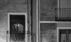 La ventana (miguelangelortega) Tags: ventana window bn blancoynegro bw casa fachadas facade muro tabique lineas geometra persiana lamas luz contraluz ciudad city cuenca nikon 50mm 18