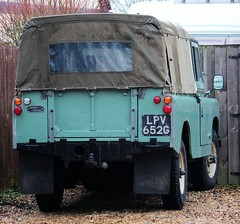 LPV 652G (Nivek.Old.Gold) Tags: 1969 land rover 88 series 2a softtop 2286cc diesel