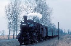 324 528  bei Gic  11.03.80 (w. + h. brutzer) Tags: gic 324 ungarn eisenbahn eisenbahnen train trains railway dampflok dampfloks steam lokomotive locomotive zug mav hungaria kisterenye webru analog nikon