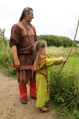 242 Haithabu WHH 17-07-2016 (Kai-Erik) Tags: geo:lat=5449026637 geo:lon=956608068 geotagged haithabu hedeby heddeby heiabr heithabyr heidiba siedlung frhmittelalterlichestadt stadt wikingerzeit wikinger vikinger vikings viking vikingr huser vikingehuse vikingetidshusene museum archologie archaeology arkologi arkeologi whh wmh haddebyernoor handelsmetropole museumsfreiflche wall stadtwall danewerk danevirke danwirchi oldenburg schleswigholstein slesvigholsten slesvigland deutschland tyskland germany 8sommermarkt hndler handwerk handwerker markt wikingermarkt marktgeschehen 17072016 17juli2016 17thjuly2016 07172016 httpwwwhaithabutagebuchde httpwwwschlossgottorfdehaithabu